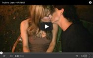 couple kissing video