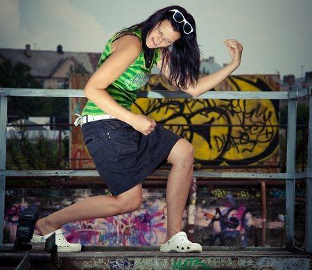 Girl dancing like crazy