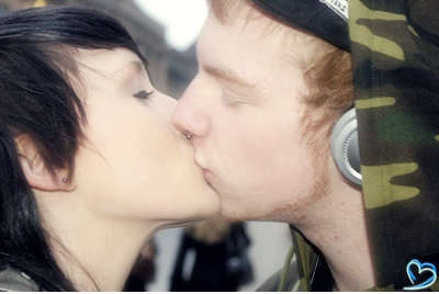 First Kiss: Seven Minutes In Heaven